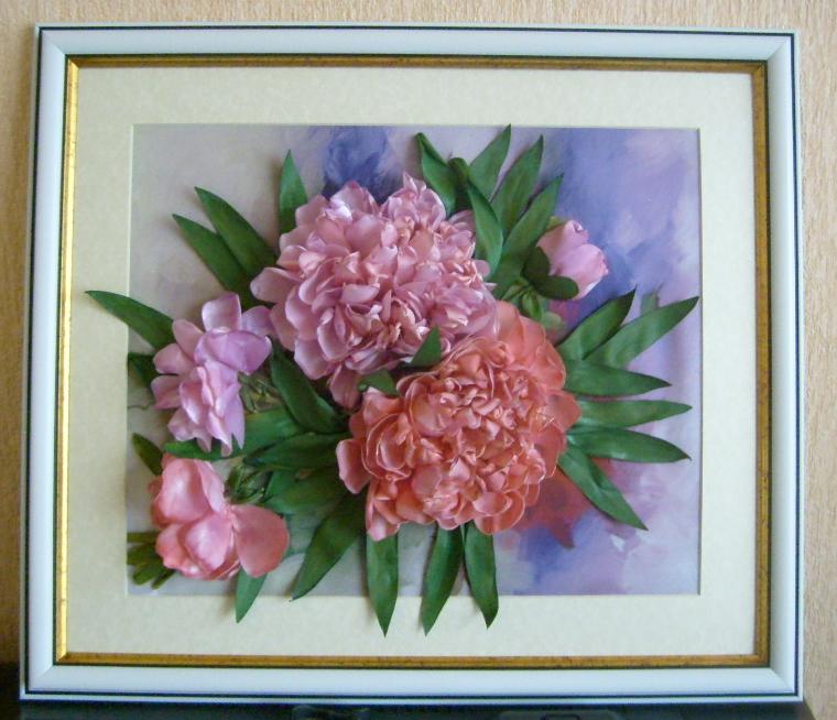 Вышивка лентами розы с листьями от мастера шепилова 65
