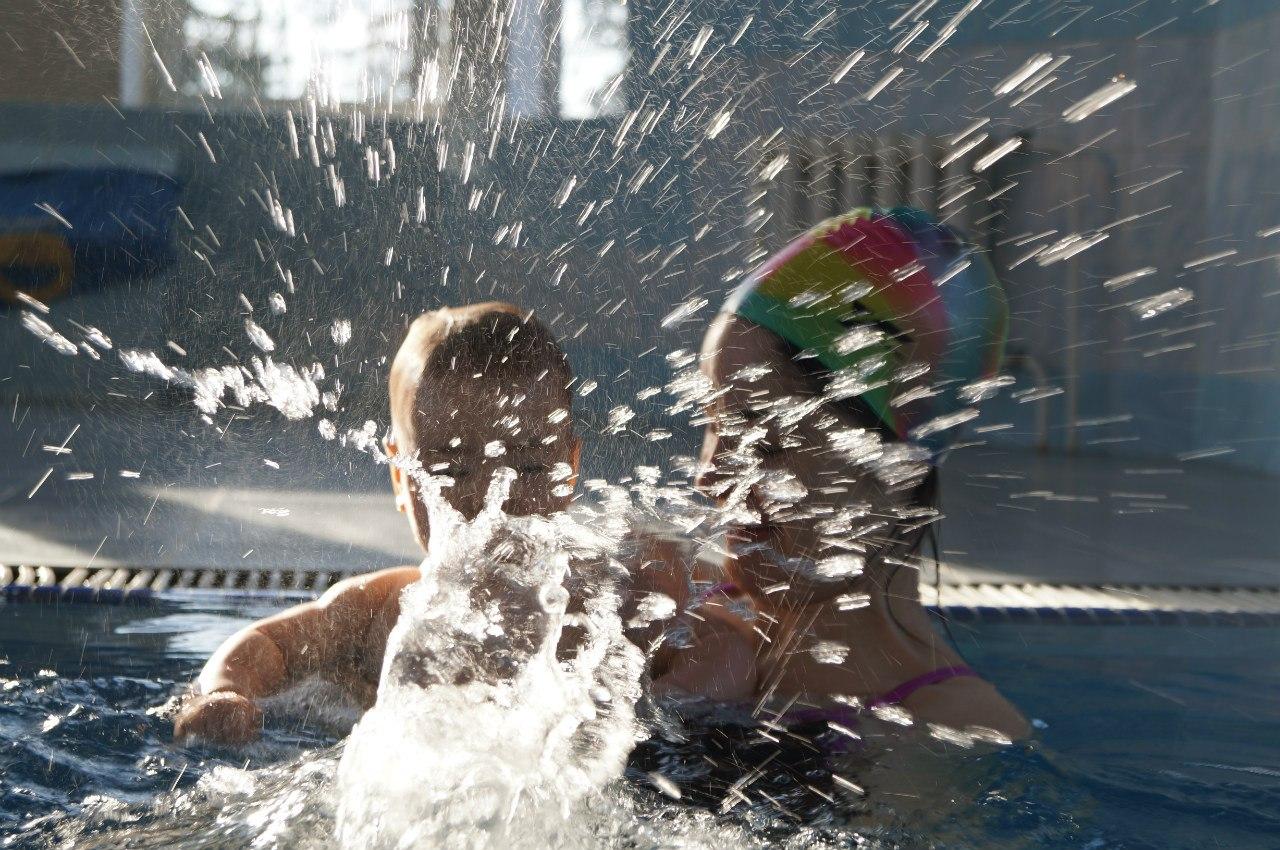 Этапы обучения грудничковому плаванию