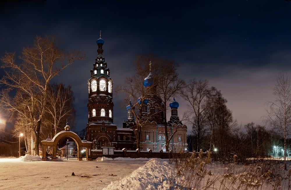 Храм Покрова в Черкизово в ночь на Крещение