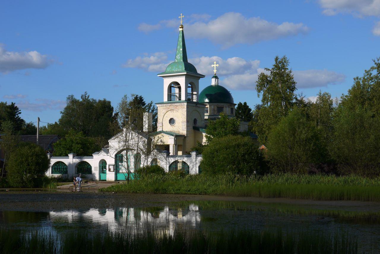 Храм Архистратига Михаила в Заветах Ильича