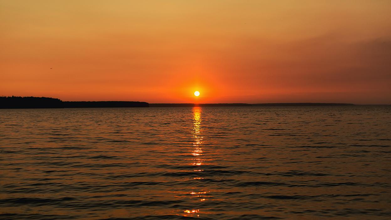 Воскресный закат на учинском водохранилище
