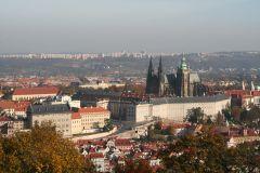 Вид на Прагу с Петршинской башни