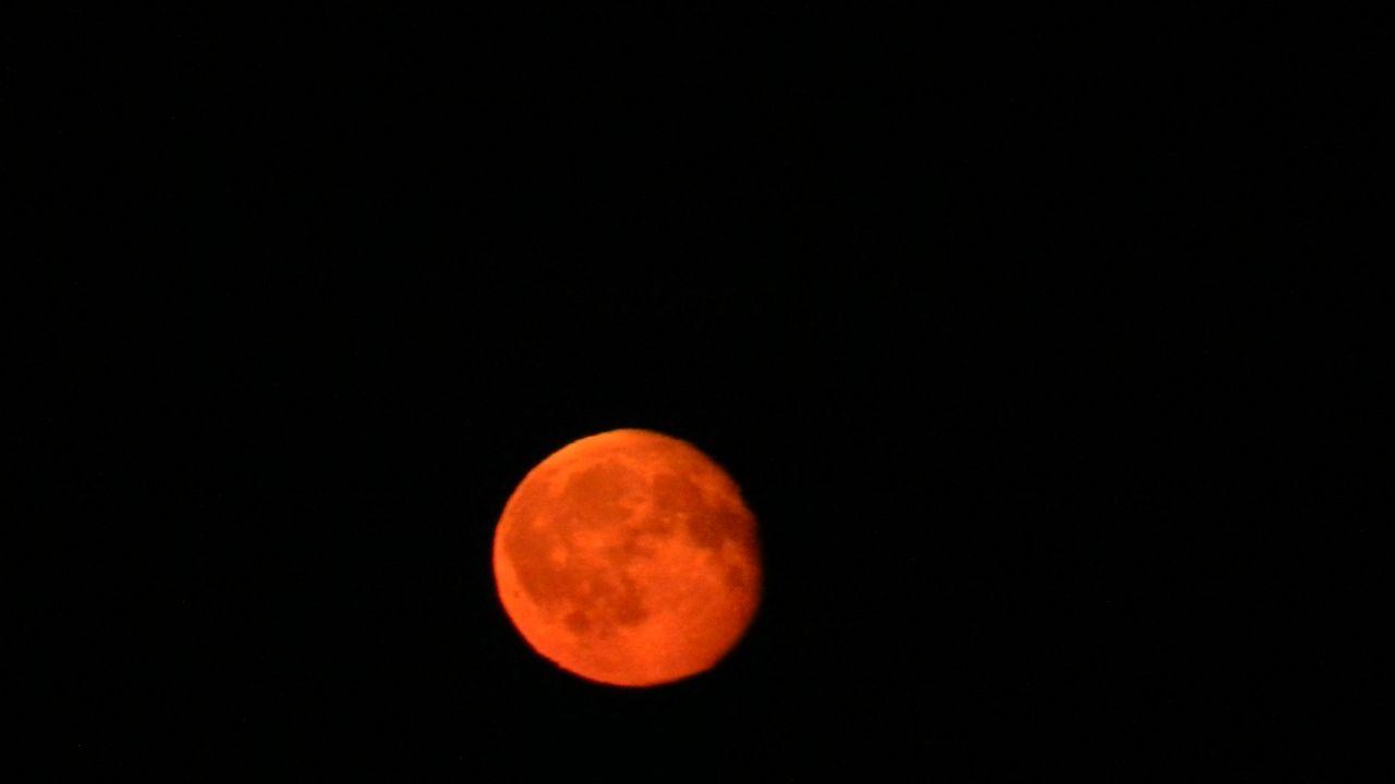 Сегодня Луна багровая...