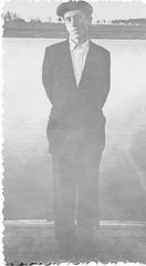 1958, май. Вид с лодочной станции на будущий м-н Серебрянка.