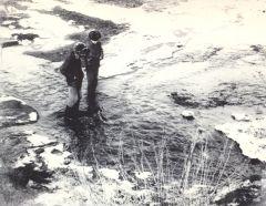 1973, апрель. Ручей в Дзержинском овраге.