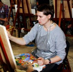 художница за работой