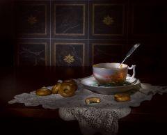 Пейте чай, мой друг старинный, забывая бег минут...